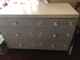 Lovely Wedgewood Shabby Chic chest of drawers