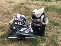 Salomon ladies ski boots good condition