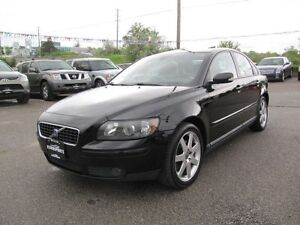 2005 Volvo S40 2.4L LEATHER & SUNROOF