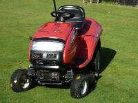 MTD--JE135H- Ride on Lawn Mower, good deck, engine, gear box and collector-- Year 2009