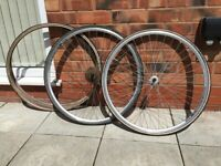 2 wheels with spare tyres, Quando KT Tech