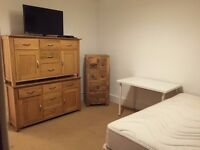 SW6 7TZ-FULHAM-LOVELY DOUBLE ROOM with SKY Cable TV + LCD Tv (ALL BIL. INC. )