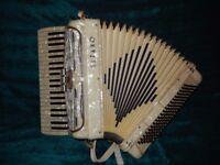 Titano piano accordion 120bass