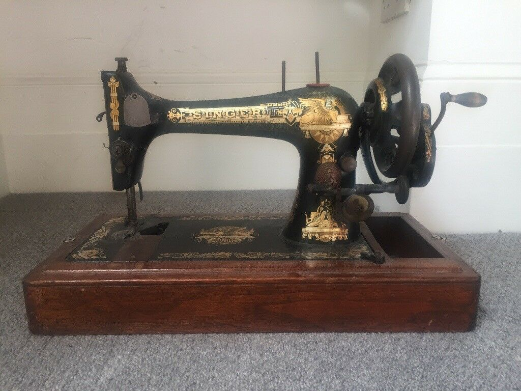 Vintage Singer Sewing Machine with Egyptian theme