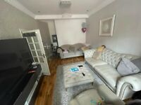 5 Spacious Double Rooms in Forest Gate