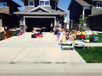 Multi Family Garage Sale in Vanier East
