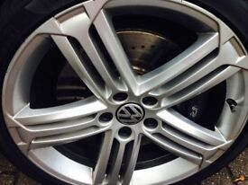 ONE GENUINE VW OR AUDI GOLF R WHEEL IN GREAT CONDITION