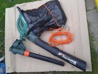 Black and Decker leaf blower and garden vacuum cleaner