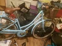 Kingston shopper bike with basket