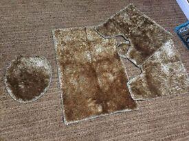 Toilet rugs set or sale!!!