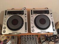 2x CDJ 800 mk2 and Allen & Heath Xone 42 Mixer