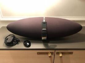 B&W Zeppelin Speaker