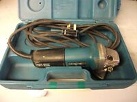 MAKITA 115MM GRINDER WITH CARRY CASE INCLUDED