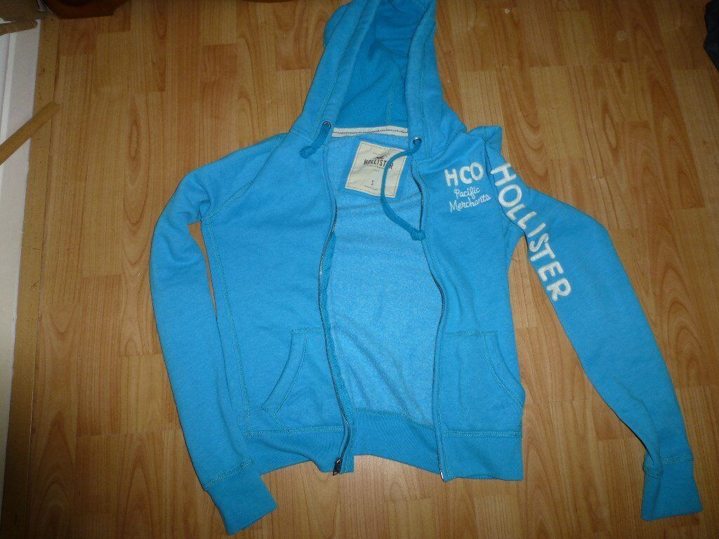 Ladies small sized Hollister zipped sweatshirt good used condition