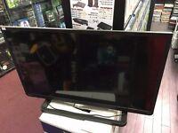 "Toshiba 32"" 32W2433D LED Smart Television HDMI SCART TV w/ Remote"