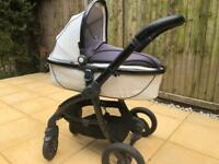 Egg Pram and Carry Cot with accessories good quality bargain!