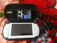 Psp 3000 slim white 2gb camera