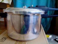 Tower Pressure cooker 7l