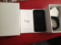 IPHONE 4S 32GB OPEN TO ALL NETWORKS ALL SIM CARDS EXCELLENT CONDITION