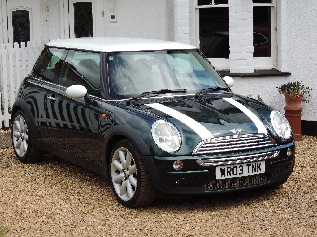 2003 mini cooper automatic british racing green white roof. Black Bedroom Furniture Sets. Home Design Ideas