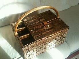 Lovely picnic basket for 4 people