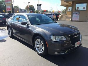 2015 CHRYSLER 300 TOURING - PANORAMIC SUNROOF, LEATHER HEATED SE Windsor Region Ontario image 7