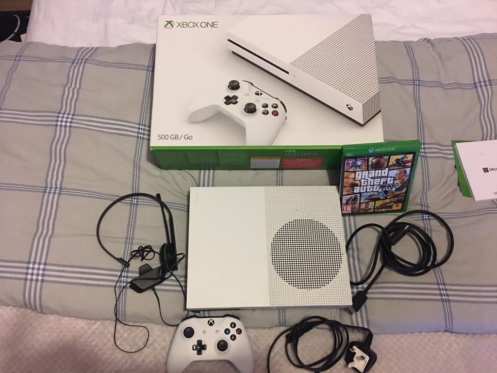 Xbox one s swap for ps4in Swindon, WiltshireGumtree - Xbox one s in white with GTA and Fifa 17 on the Xbox comes with head set, all cables, used 2 3 times basically brand new with box!! Offers! Or swap for ps4 bundle!