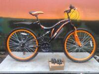 """NEW Boss Black Ice Mens 26"""" Steel FS Double Disk Mountain Bike - RRP £269"""