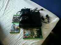 Xbox one 500gb with 5 games Excellent condition