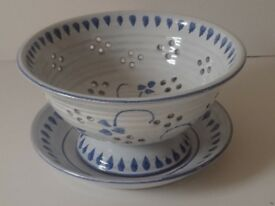 Decorative Bicton Studio Pottery Colander & Drip Saucer By Fiona Symons. Unused VGC Rare Versatile