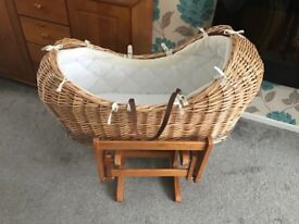 Classic Moses basket with stand