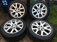 """Genuine 19"""" landrover wheels with good tyres"""