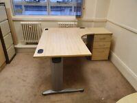 Pickled Oak L-Shaped Office Desk Table/Reception Desk with Shield