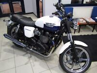 TRIUMPH BONNEVILLE 865 MOTORBIKE NEVER BEEN USED