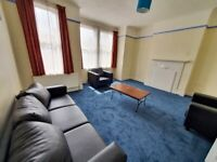 Large and spacious 1 bed flat for let in Tooting Broad way