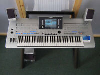 Yamaha Tyros 4 aranger keyboard with TRSMS04 speakers