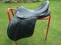 Cliff Barnsby 17½ inch GP black leather saddle, medium-wide fit. Excellent condition.