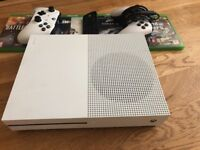 Xbox One S 500gb / 5 Games / 2 controllers