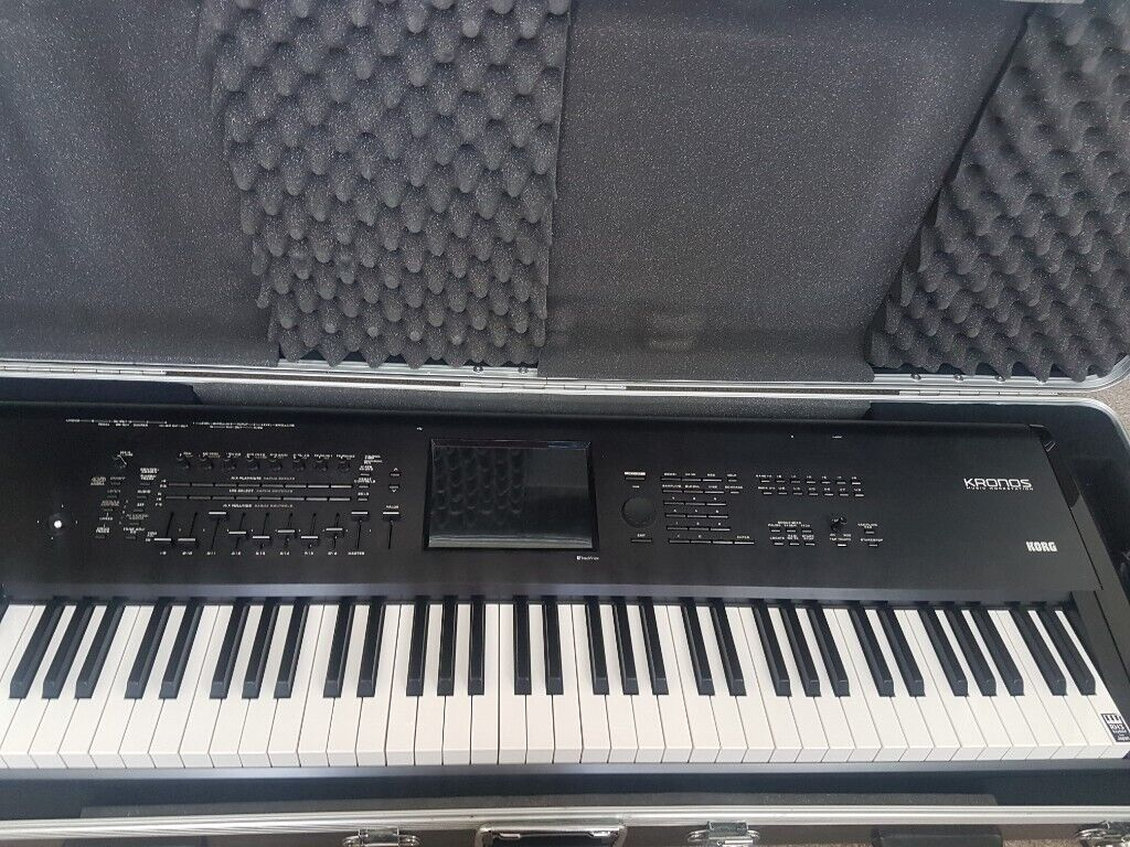 Korg Kronos 73 with Original Hard Case (need to sell asap)   in Acton,  London   Gumtree