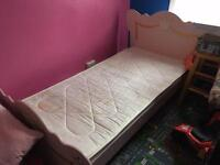 Singl bed with mattress