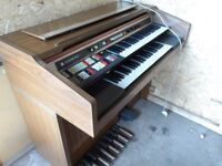 ORGAN VERY GOOD CONDITION COMPLETELY WORKING BARGAIN