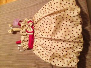 Robe d'occasion neuve 3T ( noël, marriage...)