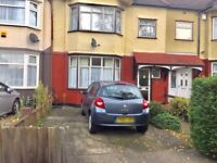 3 Bedroom House with 2 receptions to rent in Gants Hill - IG2