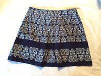 Hobbs skirt size 14