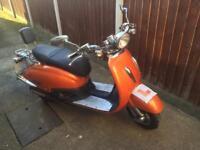 Tamoretti retro 125cc scooter