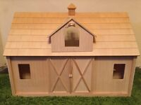 Breyer Traditional Range - Deluxe Wood Barn