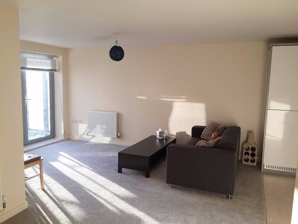 Wilmington Close - Superb studio flat in this newly built block in the heart of watford offered furn