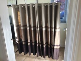Curtains in shades of brown
