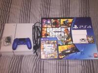 White PS4 500g & GTA 5 Pre-installed ( Good condition )