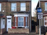 5 bedroom house for rent £1600 pm Ledgers road Slough